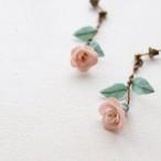 苺染めのちいさな薔薇