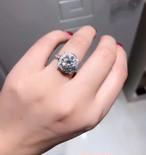 モアサナイト ダイヤモンド 1カラット 18k ビーズセッティング
