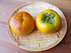 和フルーツ。自然農柿*約600〜700g(個体差があります)