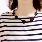 お花のネックレス(ブラック/輪っかに引っ掛けるタイプ)