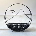 円窓から雪帽子 和風花籠 <敬老の日、おもてなし、お正月>