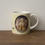 ニャロスラバの肖像のマグカップ