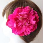 大きいピンクの芍薬の髪飾り
