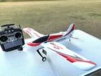 8月27入荷◆ 革新的構造 OMPHOBBY S720 BNF 小型スケール機6軸&3軸ジャイロ Futaba S-FHSS S.BUS 受信機付