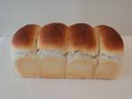 ガンジー牛乳のみるくパン