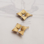 1960's 四角い花の真鍮チャーム(2コ)