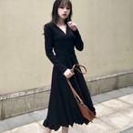 【dress】Simple V-neck ruffled new knit dress