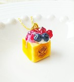 【CHITTO】no.a0110176  ミニハニートーストネックレス(ベリー)