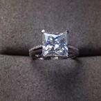 モアサナイト ダイヤモンド プリンセスカット 4カラット リング 18k 婚約指輪