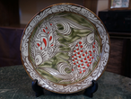 線彫り魚紋の尺皿(約30cm)金城陶器秀陶房 やちむん