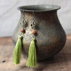 ピアス -rudraksha light green-