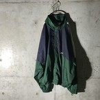 [ Reebok ] two tone logo pointed nylon jacket