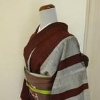 正絹紬 グレーに臙脂の太縞柄 袷の着物