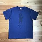 【Tシャツ(大人サイズ)】キノコ狩りをするマレーグマ(インディゴ×ネイビー)