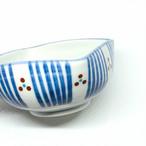 【砥部焼/梅山窯】3寸四方曲鉢(三つ紋)