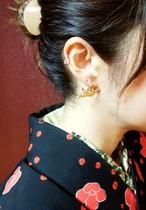 折り鶴ピアス/stud earrings 'crane'