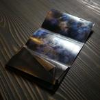 広大な宇宙を思わせる。(Black×Blue Tie Dye)<所作・長財布>