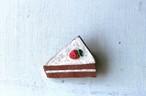いちごのショートケーキのブローチ