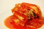 オモニが丹精込めて作る当店自慢の白菜キムチ 丸ごと一株 500g