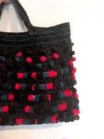 赤、黒、青緑のポンポンハンドバッグ♡