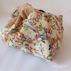 あずま袋 季節の花々と、ミルクティ色の紬の切り替え