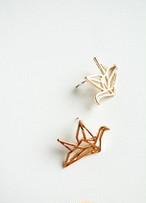 折り鶴ピアス/ stud earrings 'crane'
