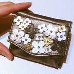 ✜ フラワーブーケ三つ折りミニ財布(ブラック) ✜(限定各1点)