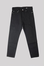 HALF RAW BLACK SLIM TAPERED LEG<TRIPLE DOUBLE>