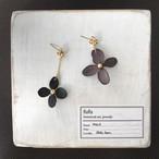 【1/26-28販売】紫陽花(ダーク)のイヤリング/ピアス