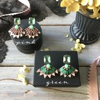 Egyptian Embroidery ピアス - pink/green-