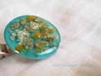 ミモザと白い小花のクリップ付きブローチ