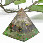 ピラミッド型Ⅱ オルゴナイト フローライト&トルマリン 心に余裕を生み、自由な開放感で満たす