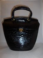 イタリア製黒エナメルクロコのビィンテージバック black crocodile vintage bag (made in Italy)
