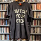 S / S Tシャツ WATCH YOUR STEP ヴィンテージブラック