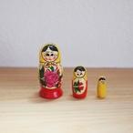 【ロシア】 ミニマトリョーシカ 「ロシアの女の子」 3P 7cm