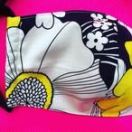 レディースファッションマスク  大胆な黄色と黒のお花