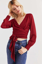 [URBAN OUTFITTERS] UO Cropped Gingham Wrap Blouse 10SE015-17