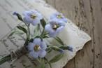 リネンの花の布花ブローチ