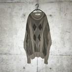 [used] daimonds designed  beige knit