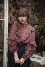 Puffed Sleeve Lace Blouse