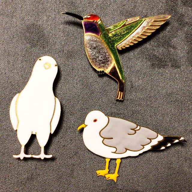 【 エナメルアクセサリー ブローチ 鳥3種類 】