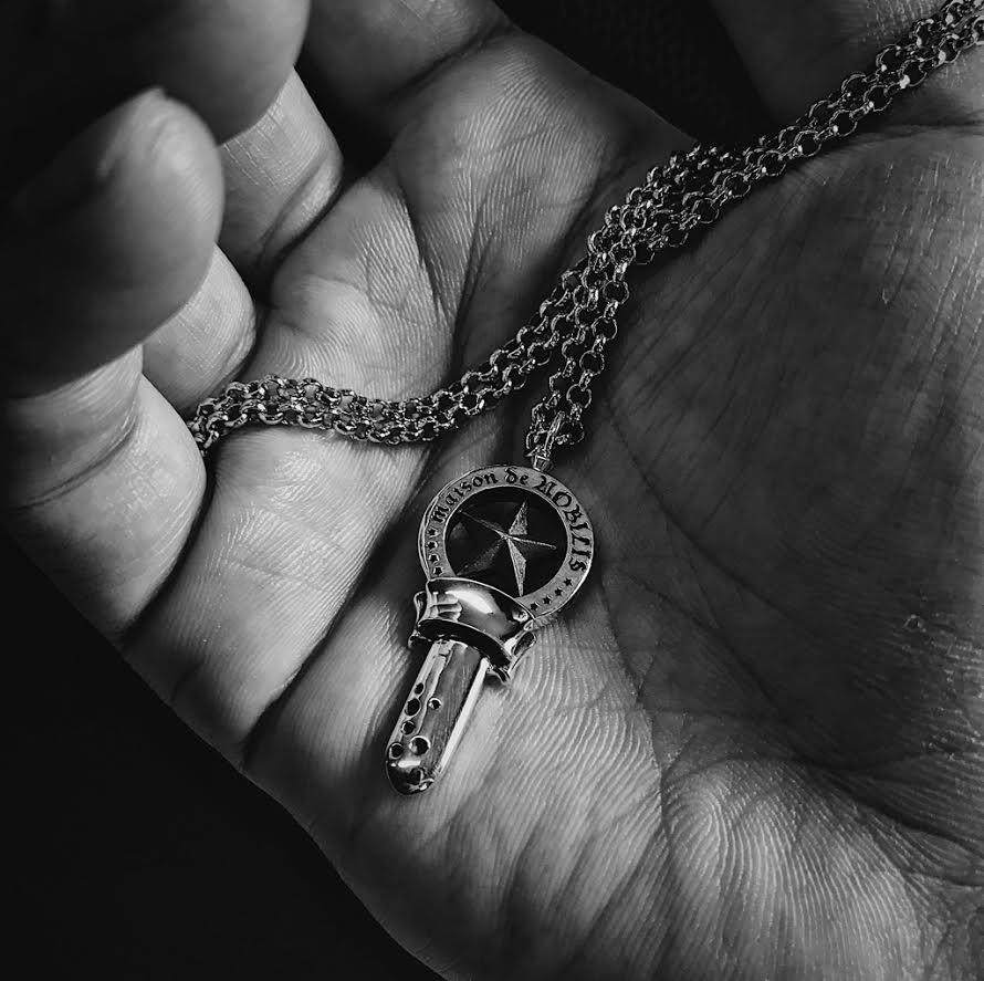 maison de NOBILIS新作「サブカルチャー要素満載の鍵と星をモチーフにしたネックレス」
