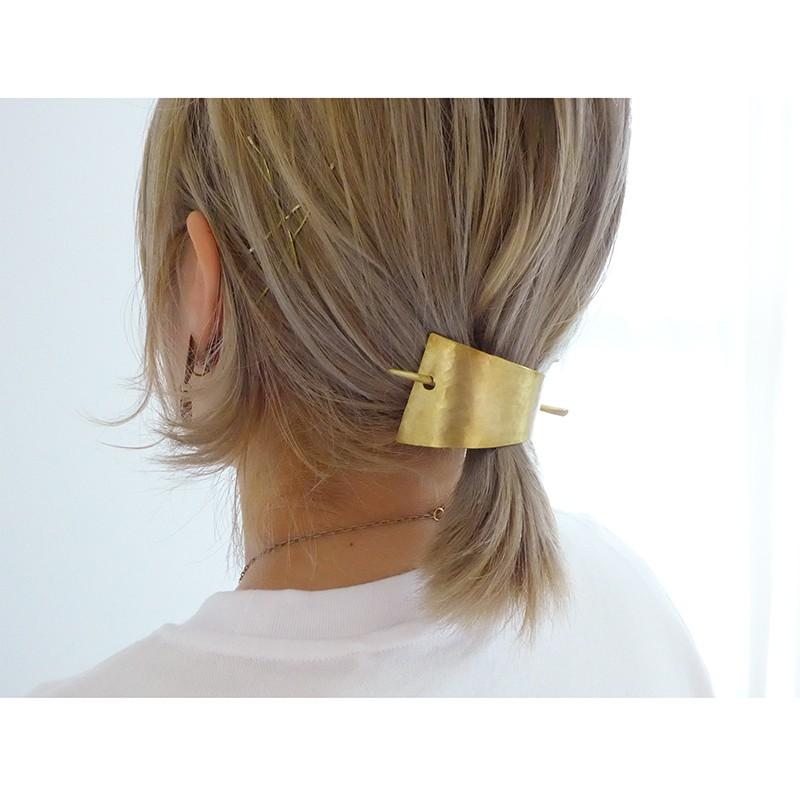 短めのヘアースタイルにも使える真鍮のマジェステ