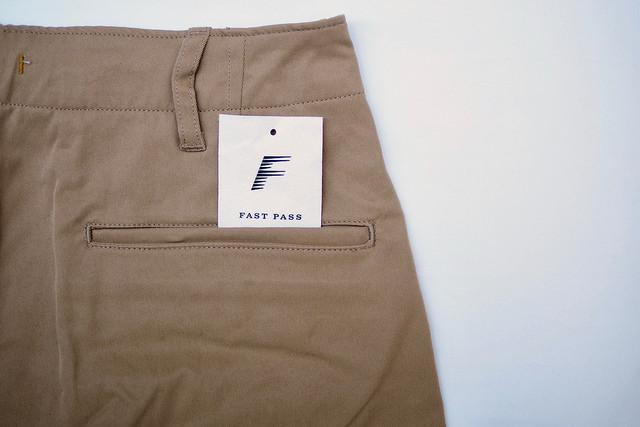 履きやすくてすぐ乾く!『FAST PASS CHINO PANTS』