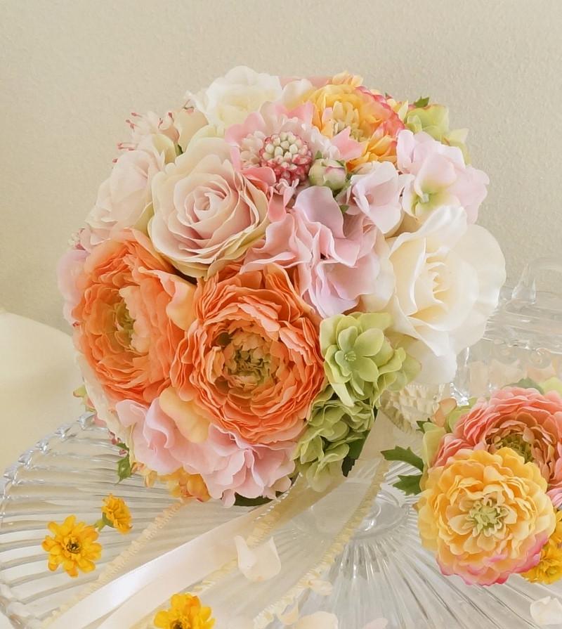 オーダーメイドの、ウェディングブーケと花冠です。