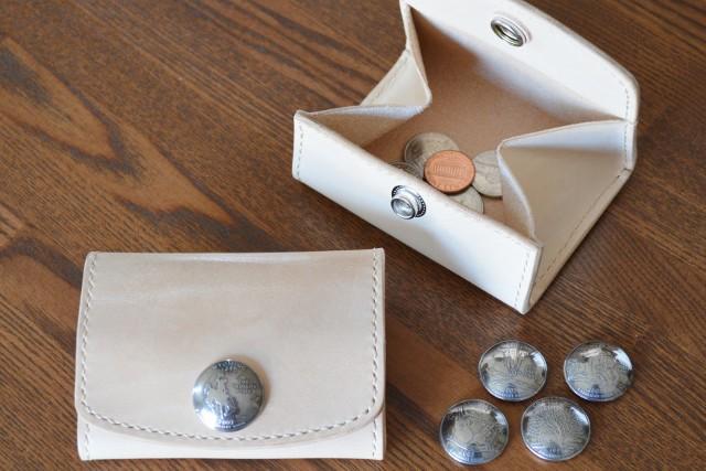 イタリアヌメ革を手磨きで艶出し&選べるコインコンチョのBOXミニ財布