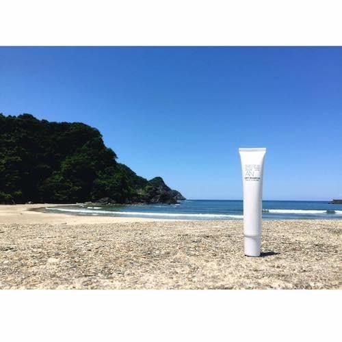 夏の海から髪と頭皮、身体を守る