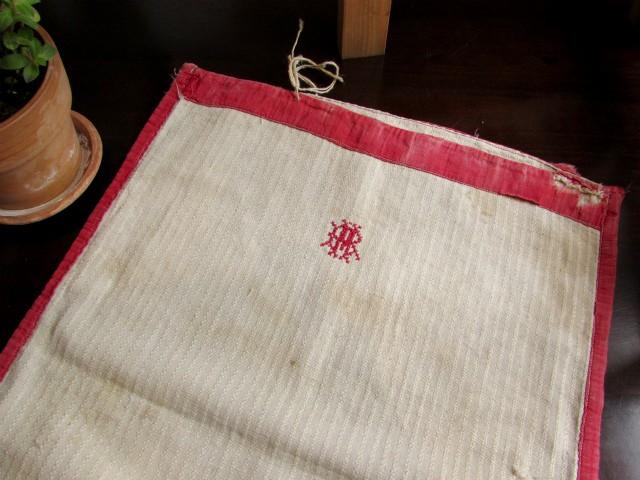 フランス1910年アンティークの道具袋をご紹介しました