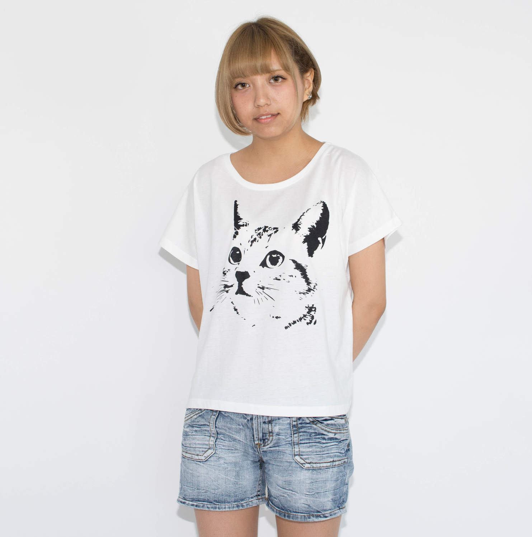 かわいいネコTシャツ(レディース)の紹介