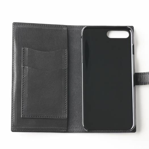 堅牢さと美しい光沢が魅力的なブライドレザーを使用♡ハンドメイドiPhoneケース!